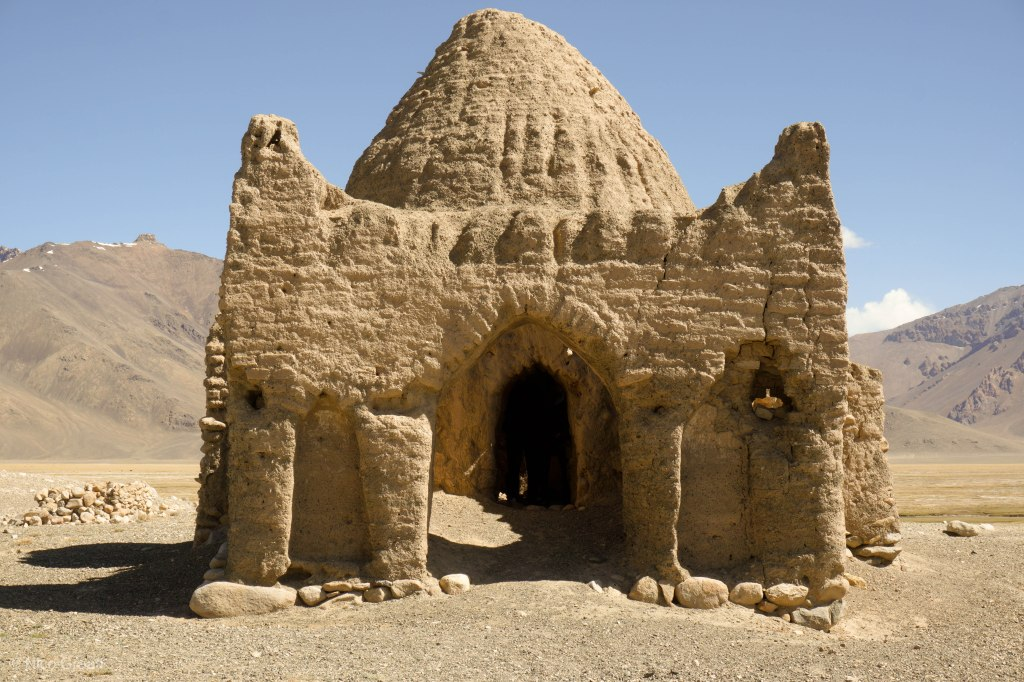 Caravanserai near Bash Gumbez